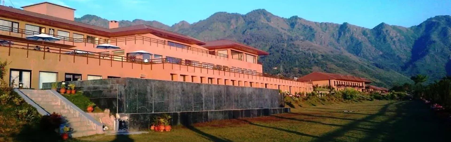 Srinagar with Taj Vivanta Dal View (SHJK12) Banner