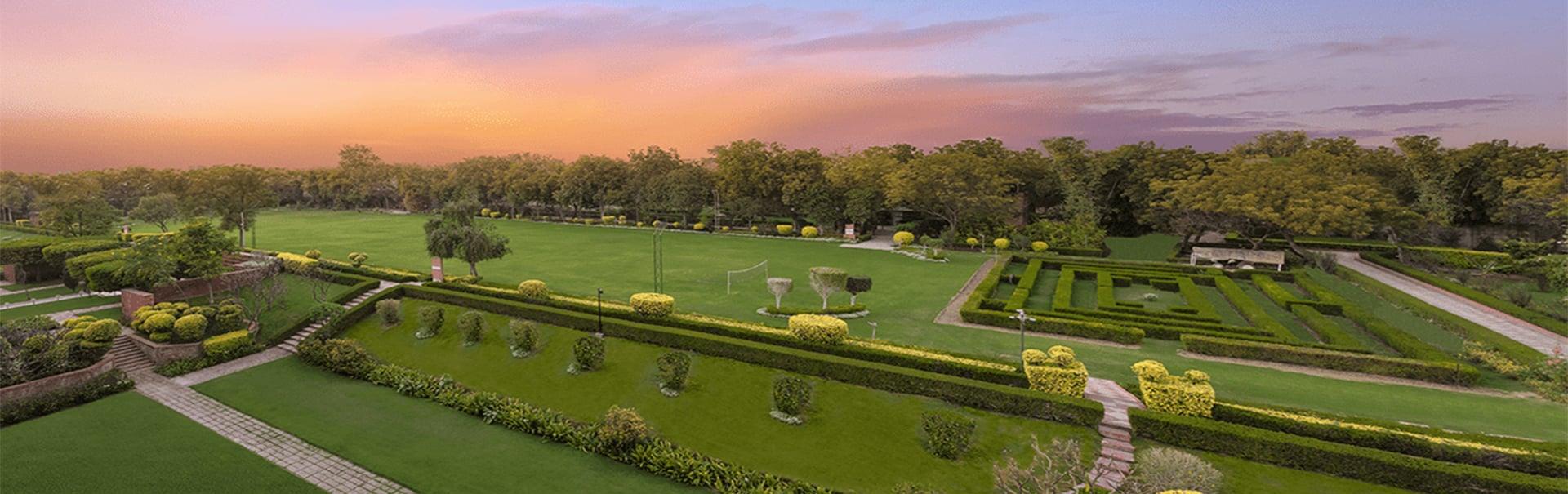 Delhi Agra with ITC Hotels (SHNI7) Banner