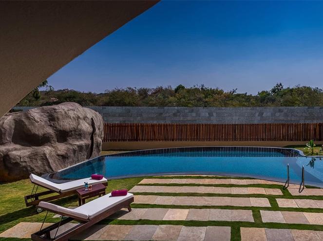 Evolve Back Hampi pool area