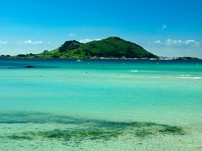 Biyando Island