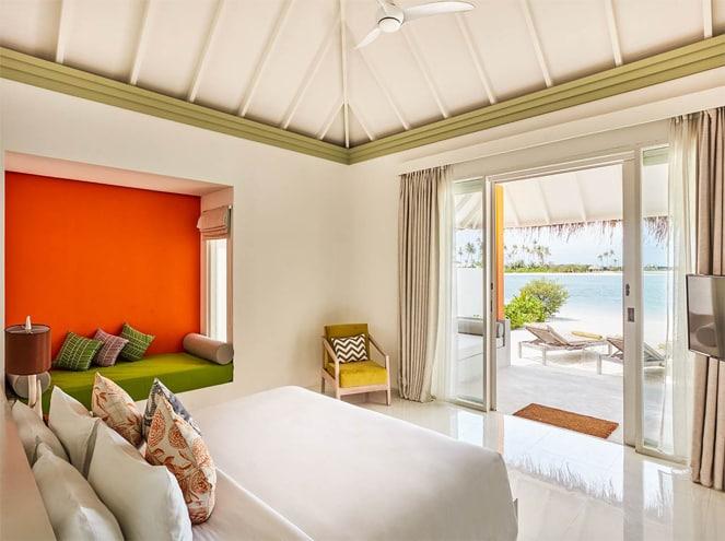 Olhuveli Water Villa & Deluxe Room