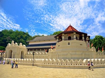 Sri Lanka Women's Special Travel Highlights