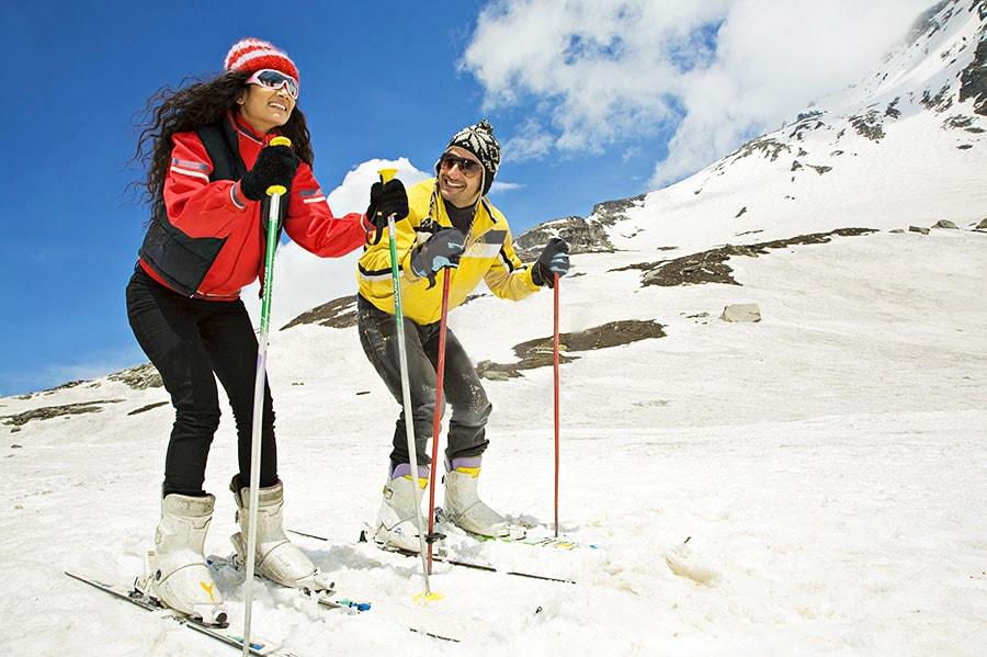 Shimla Couple Skiing