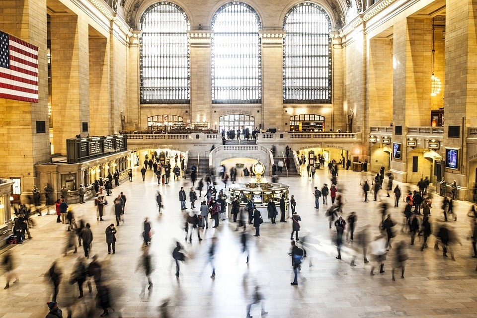 Watch The Choreography Of Commuters At The Grand Central Terminal