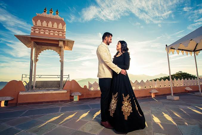Pre-wedding shoots are picturesque and royal