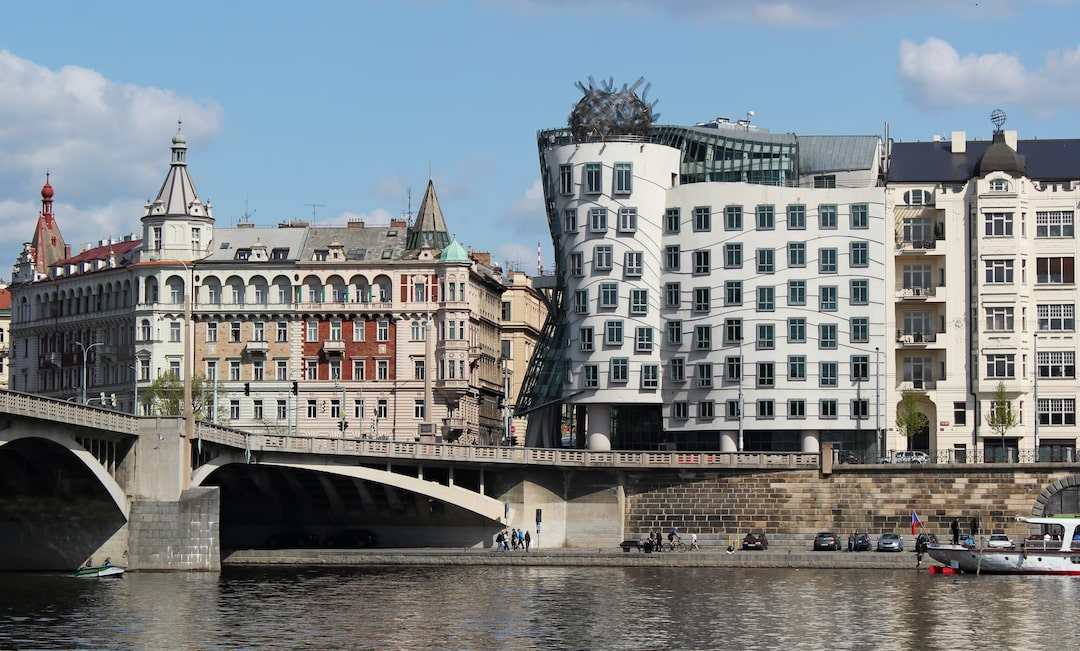 Fred & Ginger's Dancing House