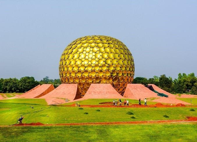 Aurobindo Ashram and Auroville