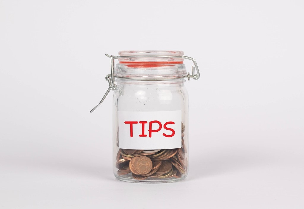 Don't Forget to Tip Good Service