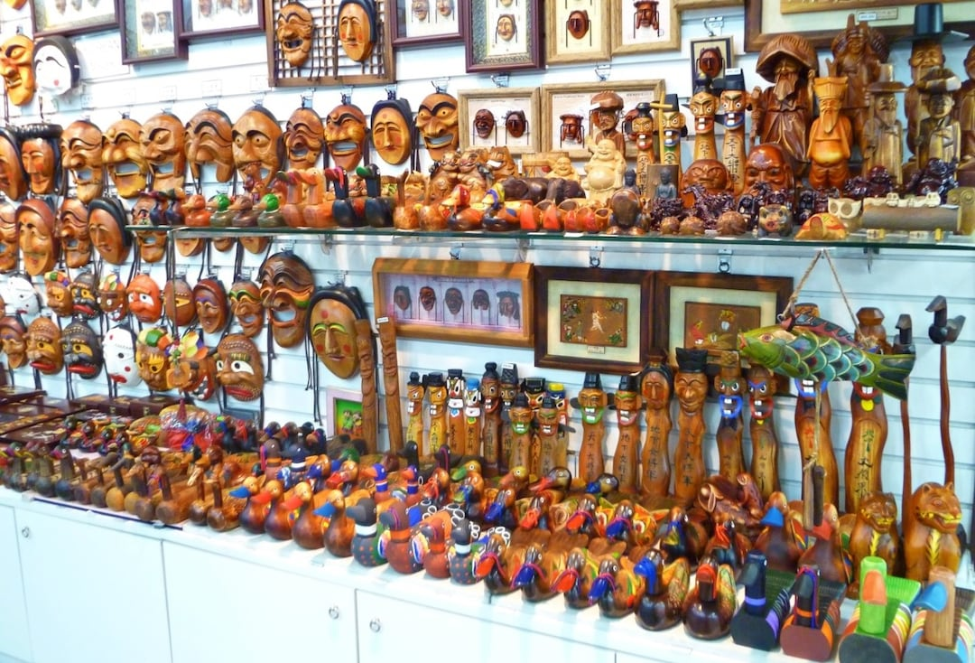 Hand Carved Wooden Products