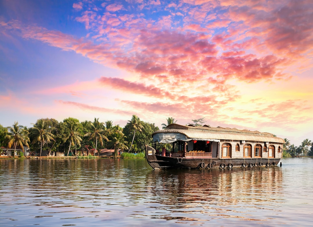 Alleppey – Romancing on a Houseboat