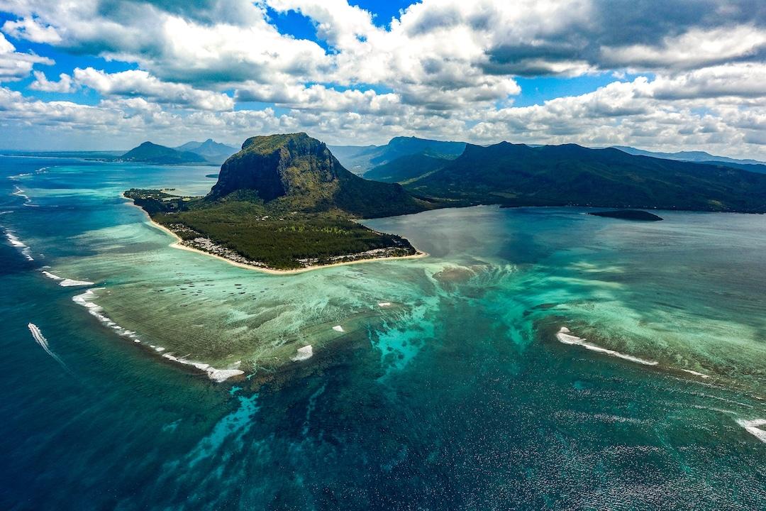 Underwater Waterfall (Mauritius)