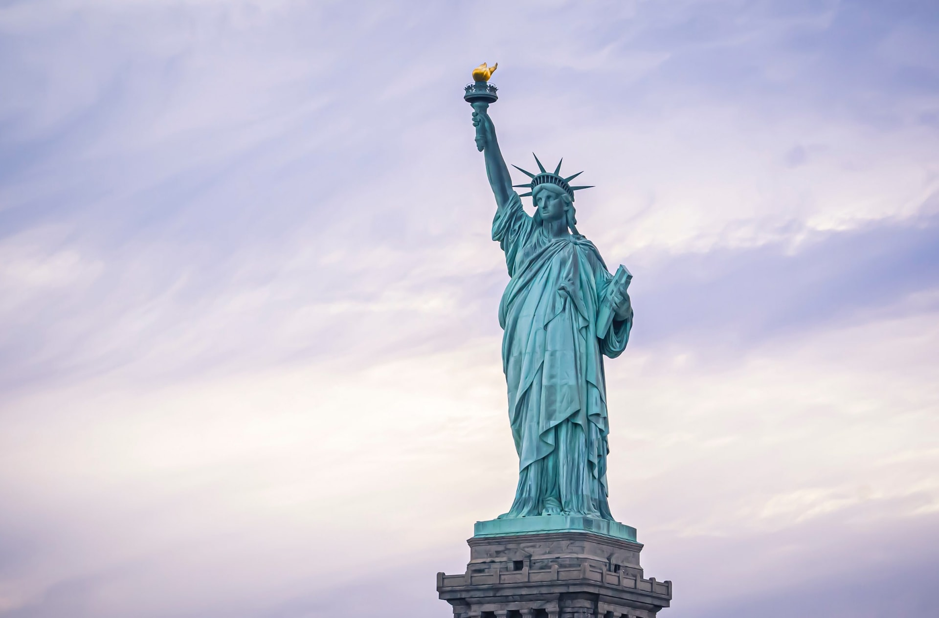 Which country gifted the Statue of Liberty to the United States of America?