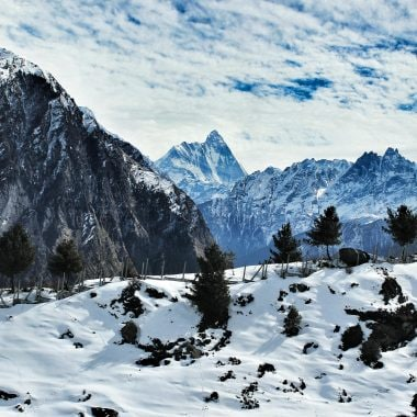 12 Best Resorts In Auli To Stay With Your Friends